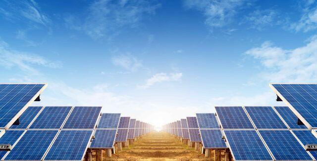Aurinkopaneelit (pieni koko).jpeg